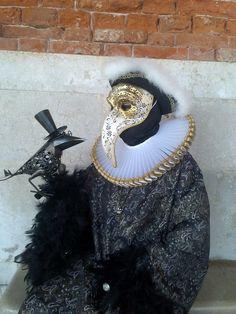 Fotografía: Guía Jesús Balsa - Carnaval de Venecia Mardi Gras, Masquerade, Venice, Jewelry, Fashion, Carnival Of Venice, Concert, Costumes, Elegant