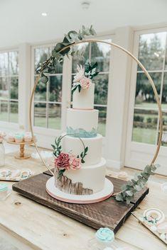 big wedding cakes Beautiful Hoop Decor Wedding Ideas with Smoke Bombs amp; a Moongate Big Wedding Cakes, Floral Wedding Cakes, Wedding Cake Designs, Diy Wedding, Rustic Wedding, Dream Wedding, Wedding Day, Wedding Blog, Wedding Cake Tables