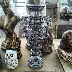 Vaso decorado rococó 34 cm. #vaso #vasos #decorativo #decorativa #blogdecor #fruteira #decoração #artesanato #decoracao #novidade #novidades #lançamento #novo #nova #bomdia #quarta #quartafeira #boatarde #artesanato #gesso #euquero #arquitetura #vase #vases #jacarepagua #rio #021 #021rio #classe #estilo #blogdecor #décor #décordodia #decor #novidade #artes #riodejaneiro #riodecor #rj