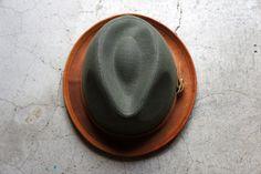 Gran colaboración entre los fabricantes de sombrero de morno y los expertos de cuero Roberu.