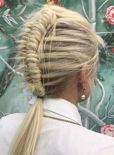 21 Advanced Ideas of Textured Dutch Braids for 2018. Discover here the inspirational ideas of modern textured butch braids to show off in year 2018. Give your braids extra textures to get this stunning braid style. We have gathered up here some of the best styles different braids to wear on wedding day. One of those styles is textured dutch braid which you may sport now.