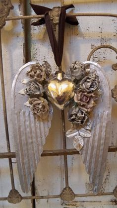Mercury glass heart attached pewter silver wings adorned with parchment hand dyed roses anita spero Shabby Chic Angel Wings, Diy Angel Wings, Angel Wings Wall Decor, Christmas Crafts, Christmas Decorations, Christmas Ornaments, I Believe In Angels, Heart With Wings, Silver Wings