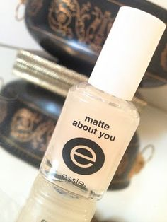 The secret to applying light polishes without any streaks: use a matte top coat in between coats of light colored polish to prevent streaking - Must try this!!