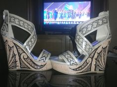 Items similar to Polynesian Designed Wedges on Etsy Bride Shoes, Prom Shoes, Wedding Shoes, Yakuza Tattoo, Samoan Tattoo, Crazy Shoes, Me Too Shoes, Polynesian Wedding, Samoan Wedding
