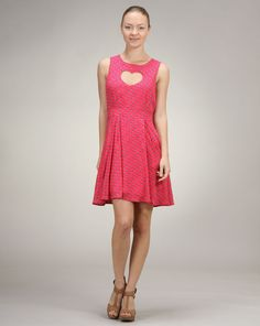 Alexandra says: The print on this frock is precious and the heart cutout adds a flirty element. This dress is perfect for a first date or can also easily be worn to brunch with friends. Heart Dress, Frocks, Lifestyle Blog, Cute Outfits, Fancy, Formal Dresses, Pretty, Cutout Dress, Clothes