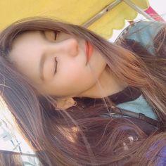 South Korean Girls, Korean Girl Groups, Aesthetic Gif, 2 Girl, Beautiful Babies, Kpop Girls, Cool Girl, Asian Girl, Singer