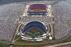 Arrowhead Stadium and Kauffman Stadium are home to the Kansas City Chiefs (football) and Kansas City Royals (baseball). Kc Royals Baseball, Baseball Park, Kansas City Chiefs Football, Kansas City Royals, Stadium Architecture, Kun Aguero, Arrowhead Stadium, Kauffman Stadium, Sports Stadium