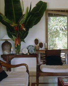 Tropical Interior, Tropical Home Decor, Asian Home Decor, Tropical Houses, Coastal Decor, Tropical Furniture, Tropical Colors, Tropical Style, Asian Interior