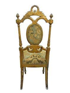 CADEIRA MEU REI - Cadeira pátina dourada, com encosto em palhinha e assento tecido. (faz conjunto com SOFÁ MEU REI). Usada sala acervo histórico da fábrica. Alt. 97,5 cm, Larg. 42 cm, Prof. 49 cm
