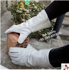 +92 340 4573076 whatsapp & personal Number Email=aasports09@gmail.com Protect your hands from heat, sparks and slag with these high-quality welding gloves. The gloves are made from leather and feature a comfortable flannel lining. ·Leather construction with comfortable flannel lining ·One size fits all Welding Gloves, Welding Jobs, Safety Gloves, Work Gloves, Leather Gloves, Hands, Flannel, Construction, Number
