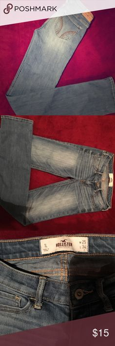 Brand New Holister  25/34L. 1L skinny/stretch Brand New  Hollister skinny /Stretch jeans 👖 Bought these for my daughter & she never wore them  size 25/34 L no tips , stains or holes ! Perfect condition Hollister Jeans Skinny