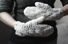 Chunky Cable-Knit Mittens - cute!
