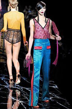 Louis Vuitton Spring 2011 Ready-to-Wear Collection Photos - Vogue