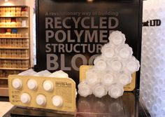 'POLLI-Bricks' Are Turning Plastic Bottles Into Green Architecture - Fine Composition Wall Of Light, Reduce Reuse Recycle, Repurpose, Recycled Garden, Green Architecture, Pet Bottle, Construction, Recycle Plastic Bottles, Blogger Templates