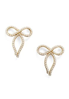 13. Matching ModCloth accessories - Pearls will be Pearls earrings  #modcloth #wedding