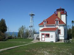 Tobermory Lighthouses & Light stations Bruce Peninsula Ontario
