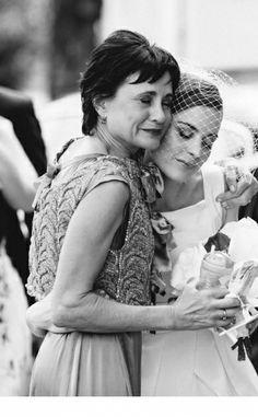 Bride & her mom   Photographer: Yolandé Marx