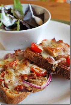 Pizza Toast - Slimming World Slimming Eats, Slimming Recipes, Slimming Word, Slimming World Pizza, Slimmers World Recipes, Cooking Recipes, Healthy Recipes, Healthy Food, I Love Food
