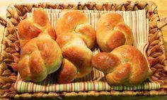 The Iowa Housewife: Herbed Garlic Rolls in the food processor Cuisinart Food Processor, Food Processor Recipes, Garlic Rolls, Baked Rolls, Instant Yeast, Instant Pot, Yeast Bread, Rolls Recipe, Dinner Rolls