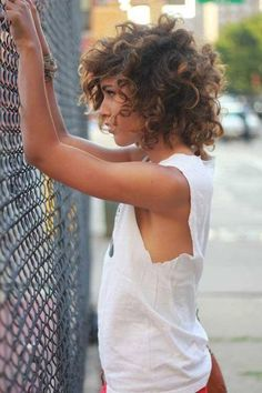 love love the messy look!  I can't stand perfect stuck to your head curls.