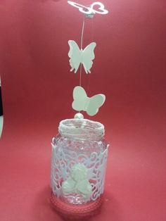 Centrotavola.Le farfalline di carta si muoveranno al calore della candelina accesa