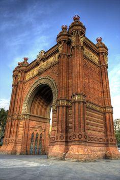 Arc de Triomf, Barcelona Gaudi, Beauty Around The World, Around The Worlds, Barcelona Travel, Barcelona Spain, Historical Art, Environmental Design, Beautiful World, Big Ben