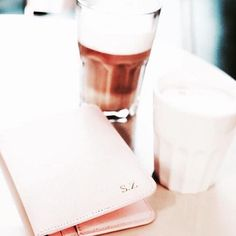 @zandiss shows us her pink passport holder with initials in gold before take off ✈️ Get your personalized travel essentials at www.deriwe.com  #deriwe