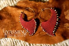 micro macrame shell earrings by yasmin