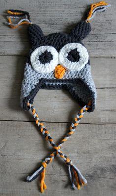 Uilenmuts haken Fabric Yarn, Fabric Crafts, Diy Crafts, Crochet Beanie Hat, Beanie Hats, Crochet Winter, Diy Crochet, Needlework, Amanda