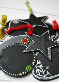 Chalkboard gift tags: use chalkboard paint recipe from Martha Stewart for different colors.