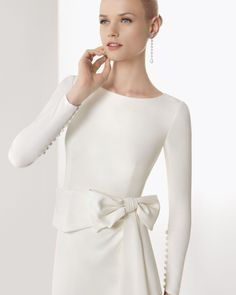 BORGOÑA - Crepe gown in ivory