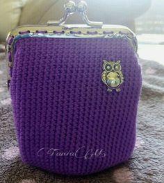 Monedero cuadrado violeta con búho