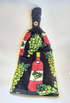 Crochet Kitchen Towels, Crochet Towel, Crochet Hats, Crochet Sunflower, Getting A Puppy, Wine Decor, Patriotic Decorations, Double Crochet, Easter Bunny