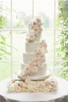 Big, bright, impactful flowers are setting weddings on fire this year. Include your cake and lavish tiers with real flowers. Don't forget your flower crown!