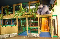 Le strutture e le aree di gioco Play Mart possono essere tematizzate per ricreare un'ambientazione unica e completa. I bambini si sentiranno d'un tratto trasportati in un altro mondo, volando con la fantasia.