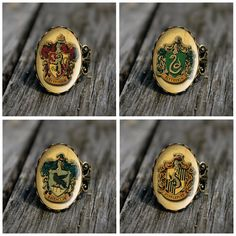 Harry Potter - Hogwarts houses vintage style ring