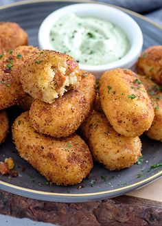 Recipe of potato croquettes with sausage Practical recipes with potato Dare to prepare this recipe for todays food Potato croquettes with sausage sure everyone in Mexican Snacks, Mexican Dinner Recipes, Fish Recipes, Meat Recipes, Mexican Food Recipes, Cooking Recipes, Chorizo Recipes, Salvadorian Food, Potato Croquettes