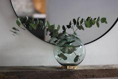 Favoritmärket AYTM med otroligt snygga produkter finns nu hos mina kollegor på Dukatbord! Älskar vasen och färgskalan i årets kollektion.  Elegant, mjukt, vackert och modernt...