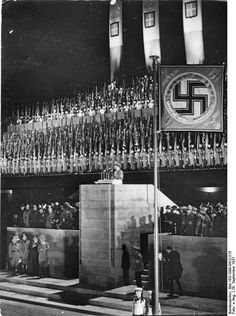 Joseph Goebbels gives a speech during a visit by Mussolini in 1937.  Gotta grant it to the Nazis and Facists- evil but they did have style.