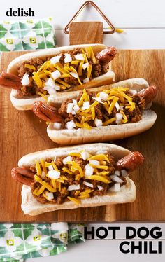 This Easy & Delicious Chili Is PERFECT For Topping Chili DogsDelish Dog Recipes, Chili Recipes, Sauce Recipes, Cooking Recipes, Hot Dog Chili, Chili Dogs, Cookout Food, Bbq Food