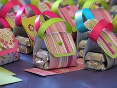 mini purse chocolate holders - super cute favor idea from the Make and Take Gals! mini purse chocolate holders - super cute favor idea from the Make and Take Gals! 3d Paper Crafts, Fun Crafts, Crafts For Kids, Paper Crafting, Wrapping Gift, Paper Purse, Candy Gifts, Packaging, Craft Fairs