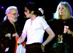Michael Jackson 1991 - 2000 Michael with Michael Bush and Karen Faye. When changing clothes in front of the Earth Song