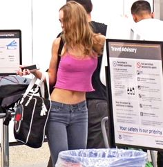 Lily at travel safety check before leaving Los Angeles on a flight. She is wearing a short, tight pink tank top and denim pants. July 14, 2017 # 2  @fabrizio Lily Rose Depp Style, Lily Rose Melody Depp, Pretty Baby, City Girl, Fashion Killa, Pretty People, How To Wear, Outfits, Women