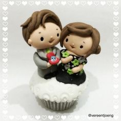 Aaaaaw... It's our first Cumbercouple cupcake! Congrats Benedict and Sophie!