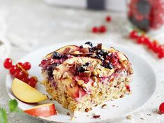 Sophia Thiels Rezepte: Baked Oatmeal mit Nektarine und Beeren Sophia Thiel's Recipes: Baked Oatmeal with Nectarine and Berries Healthy Baking, Healthy Snacks, Healthy Recipes, Smoothie Bowl, Smoothies, Lunch Smoothie, Baked Oatmeal, Health Breakfast, Health Desserts