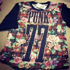 The musthave short sleeve 77 PUNK woman fleece