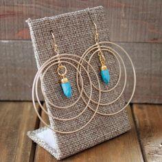 Orecchini turchese Spike Hoop Triple / Spike oro turchese fascino / blu della pietra preziosa naturale Lampadario Hoop (ECD22)