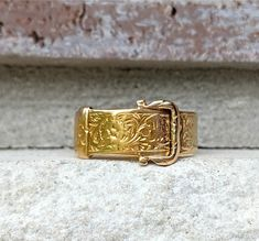 Antique 1881 Victorian Buckle Wedding Band Ring in Gold Size 7 Antique Wedding Bands, Wedding Ring Bands, Antique Jewelry, Vintage Jewelry, Find A Date, Makers Mark, Belt Buckles, Band Rings, 18k Gold