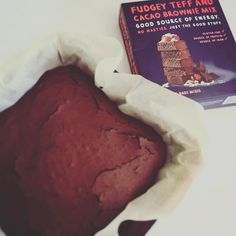 Who needs a Thursday pick-me-up? Belinda from @intensity_personal_training picked up this little box of joy from Kiah to create some fudgey brownie goodness. No added sugar gluten free and totally delish! #kiahorganic  #brisbaneorganic http://ift.tt/2gAXfq6