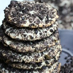 Oreo Cheesecake Cookies :O cup unsalted butter, room temperature 3 ounces cream cheese, room temperature 1 cup granulated sugar 1 tsp. vanilla extract 1 cup flour cup mini chocolate chip 1 cup crushed Oreo's (it took about roughly 10 Oreo cookies) Biscuits Brownies, Cookies Et Biscuits, Just Desserts, Delicious Desserts, Yummy Food, Desserts Oreo, Delicious Cookies, Dessert Healthy, Oreo Cheesecake Cookies